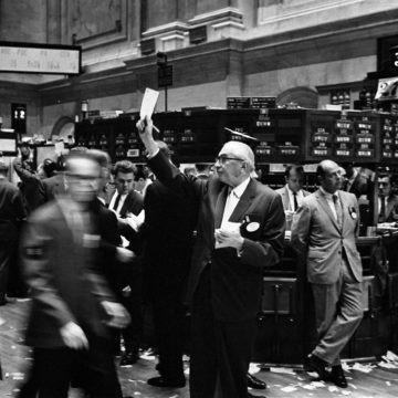 Czego spodziewać się w kolejnym miesiącu? Bitcoin, kawa, USD i indeksy