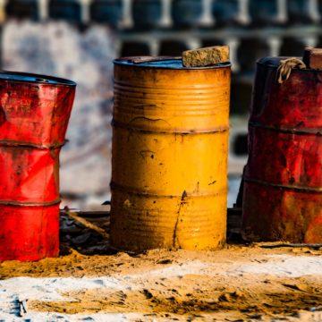 Mgliste perspektywy dla globalnej podaży ropy naftowej. Analiza ropy i złota