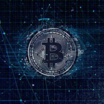Kurs Bitcoin spada w niedzielę o 3% i kończy tydzień w bardzo złym stylu.