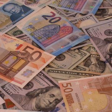 Bank Japonii pod presją i rewizja prognoz dla Polski. Kolejny słaby dzień dla złotówki