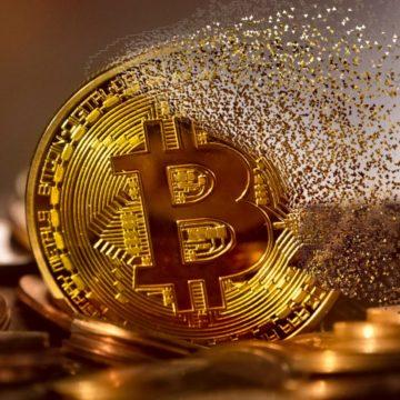 Kurs Bitcoina flirtuje z poziomem 8000 dolarów po najgorszym tygodniu w roku
