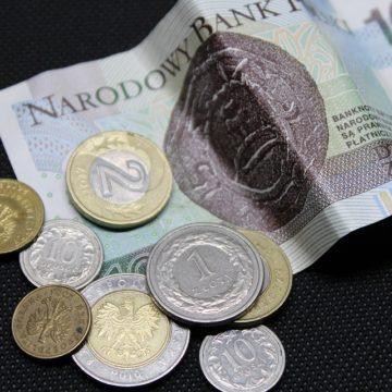 Złotówka nerwowo czeka na Powella. Jak zareaguje kurs dolara i euro?