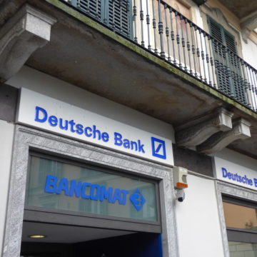 Kurs akcji Deutsche Banku mocno traci przez ponad 3 mld euro straty!