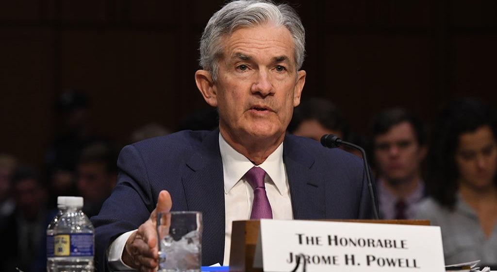 Cena złota wybiła w górę a kurs dolara w dół dzięki gołębiemu Powellowi