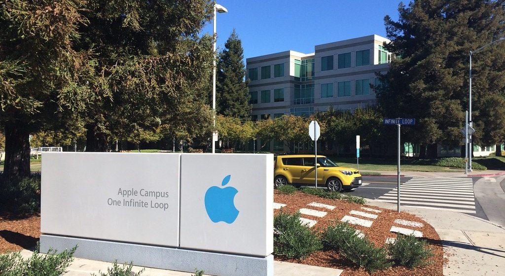 Kapitalizacja Apple przekroczyła 1 bilion dolarów!