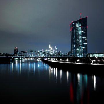 Przed EBC: próba generalna przed wielkim finałem. Co dalej z euro?