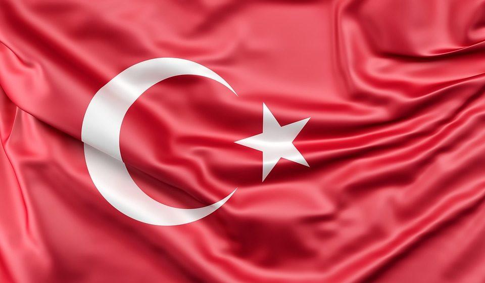 Otrzeźwienie w USA, szokująca decyzja w Turcji