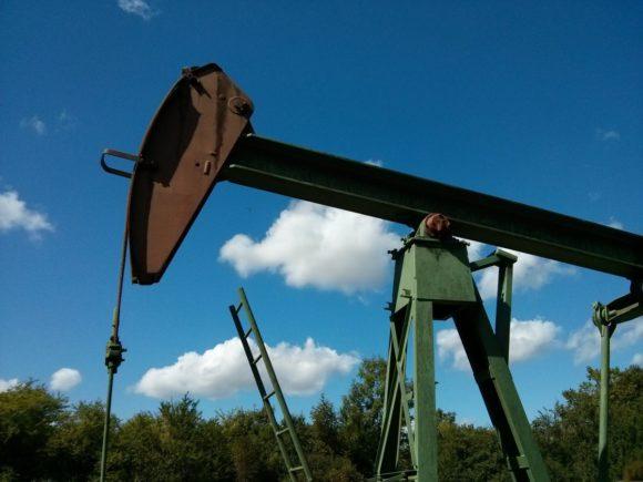 Drugi dzień spotkania OPEC w Wiedniu, cięcia produkcji ropy. Rośnie produkcja soi