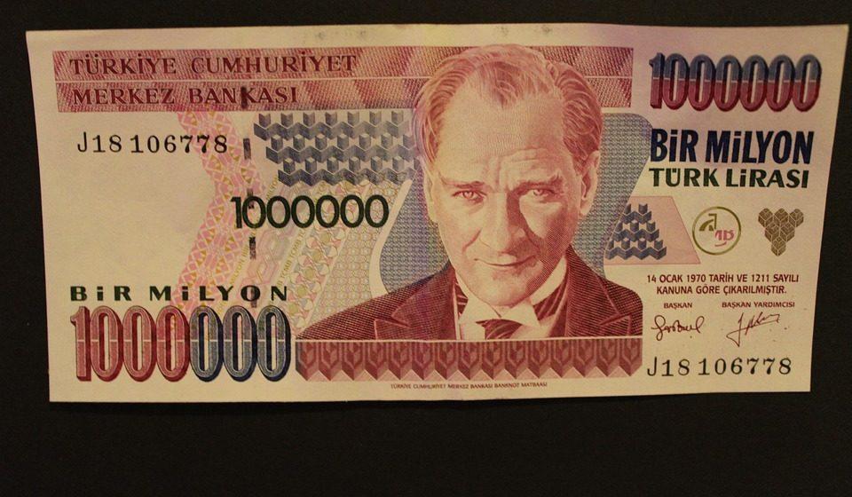 Turecki prezydent przejmuje bank centralny – mocne tąpnięcie na lirze
