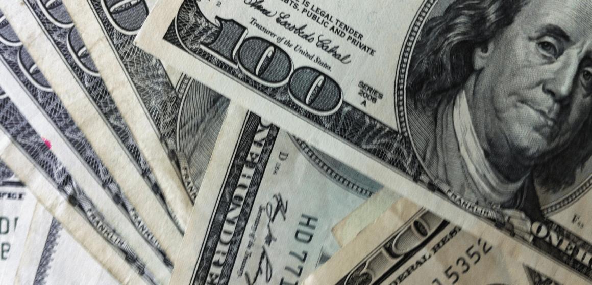 Minutki FOMC nie zmieniają nic na rynku. Kurs dolara bez większych wahań