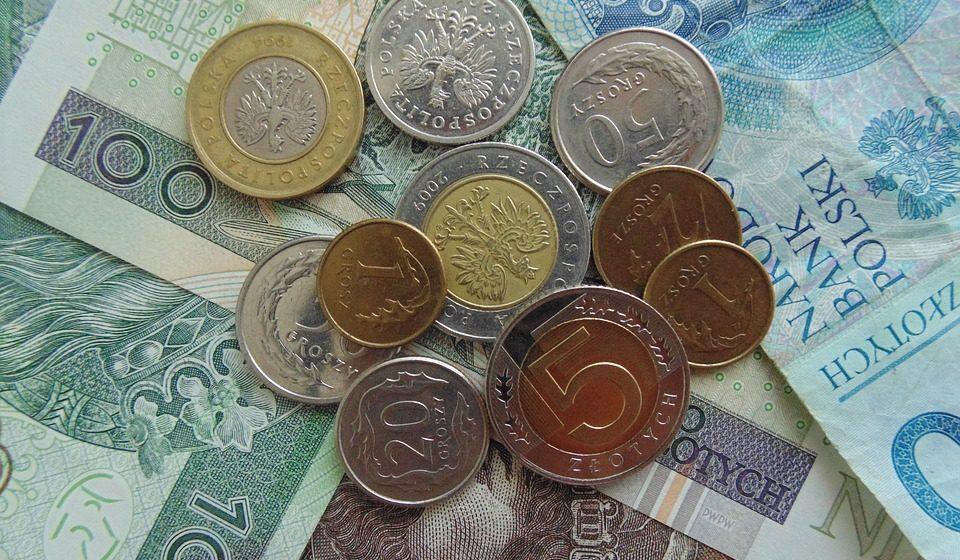 Spadków ciąg dalszy. Kursy USDPLN i CHFPLN mocno w dół. GBPPLN mocno zyskuje po spadkach. EURPLN w trendzie bocznym