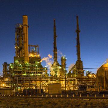 Pesymizm na rynku ropy naftowej pomimo pozytywnych sygnałów