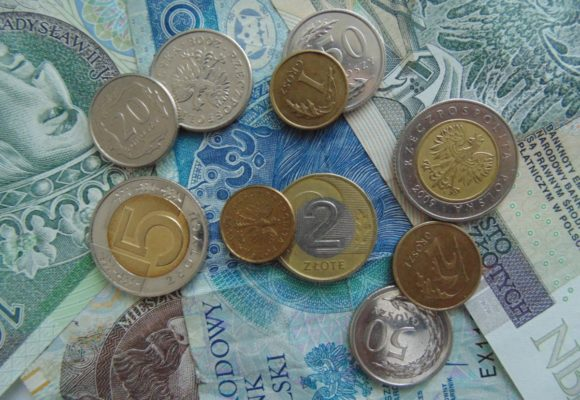 Kurs Dolara i Euro mocno w dół. Duże wahania na kursie Franka. Kurs Funta (GBP/PLN) najwyżej od 2 lat!