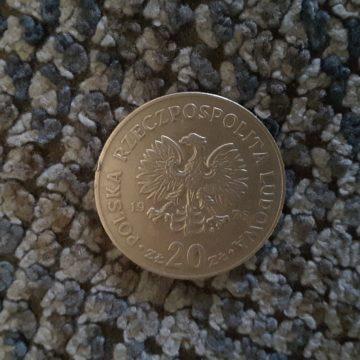 Kursy walut: Dolar testuje ważny opór, Euro i Frank delikatnie zwyżkują. Funt wyhamowuje wczorajsze spadki.
