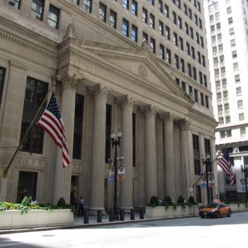 Fed w walce z kryzysem płynności. Kurs dolara wzrósł do 3,9434, euro stabilne