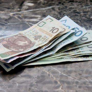 Kontynuacja głównych trendów na walutach? Kursy Dolara, Euro, Franka i Funta spadają po wczorajszych wzrostach.