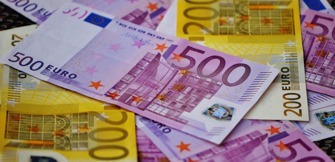 Kurs złotego wyraźnie się umocnił. Kurs EURPLN w okolicach 4,32 wobec niemal 4,40 przed wyrokiem TSUE