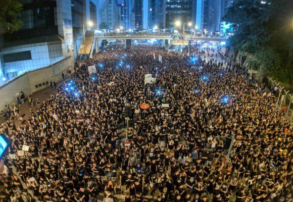 Prawa człowieka vs prawa rynku. Ustawa popierająca protesty w Hong Kongu podniosła nerwowość