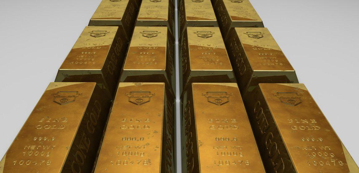 Kurs złota w potrzasku – kiedy wybicie i w którą stronę?