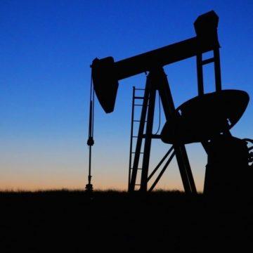 Prognozy dalszego wzrostu produkcji ropy naftowej z łupków w USA. Ceny gazu mocno w dół