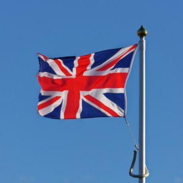 Lepszy od oczekiwań PMI dla sektora usług w Wielkiej Brytanii nie pomaga funtowi